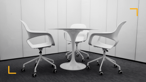 3 white chair representing the power of 3 decision makers